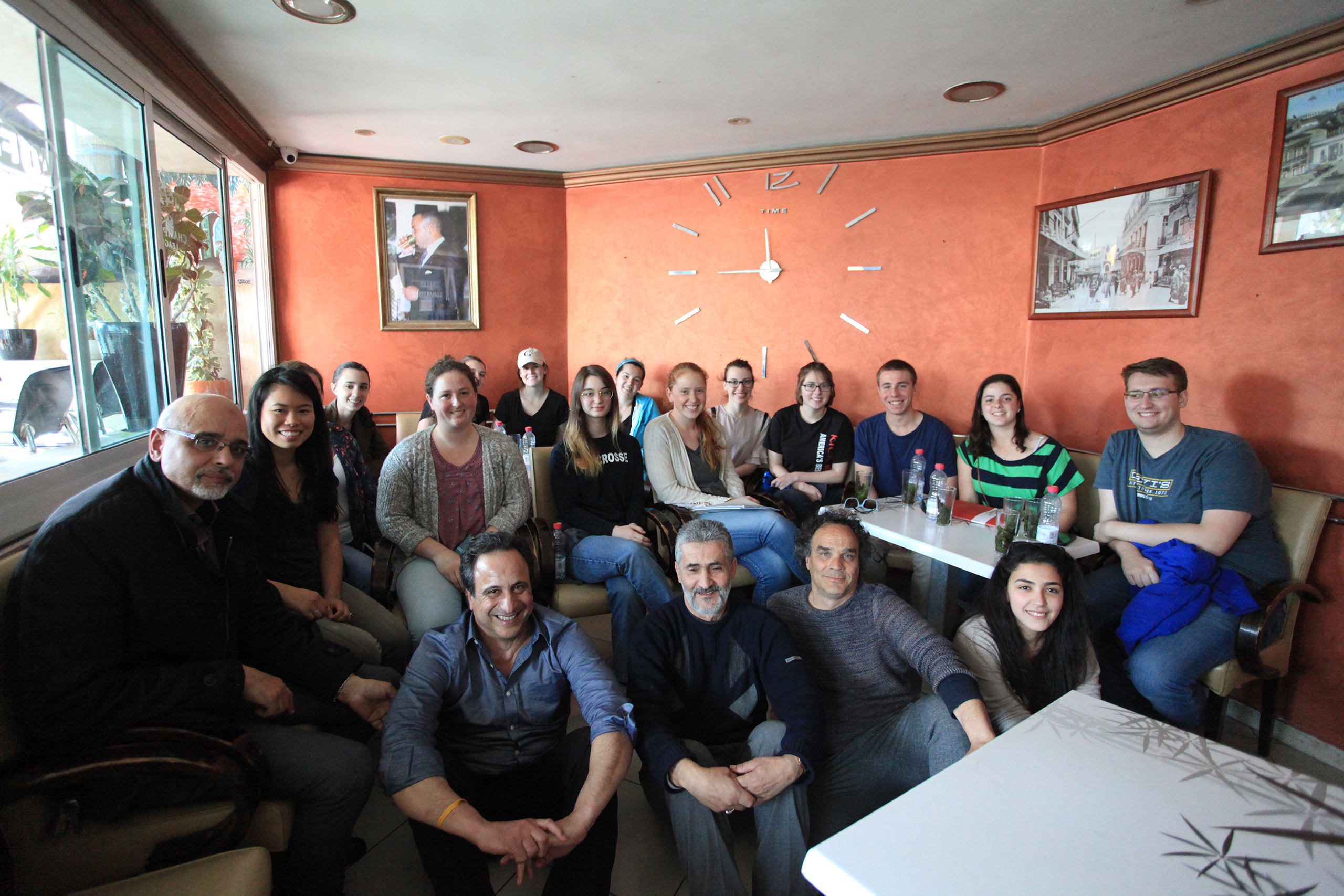 UNE students in Café Smara